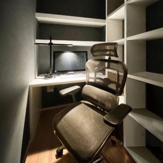 「ちょうどいい」空間!本棚兼書斎スペースの画像