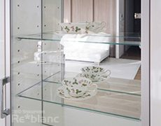 ★オーダー家具実例★ ティーカップを飾る収納の画像